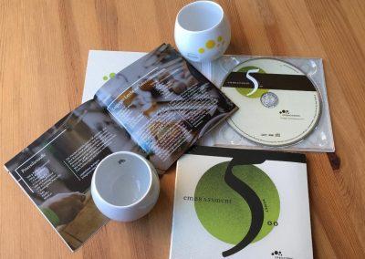CDs und Becher 2